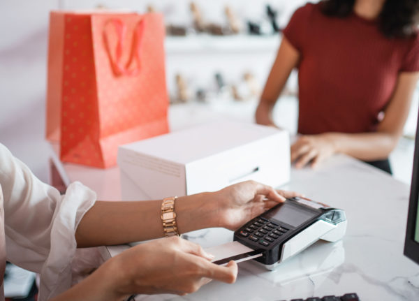 Prevent retail return fraud from damaging holiday profits
